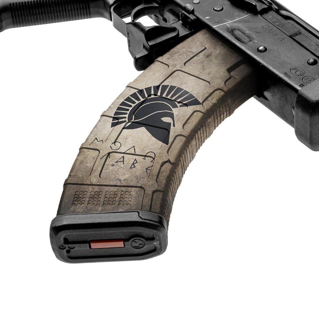 GunSkins® prémiový vinylový skin na zásobník AK-47 – GS® Molon Labe Tan™ (Farba: GS® Molon Labe Tan™)